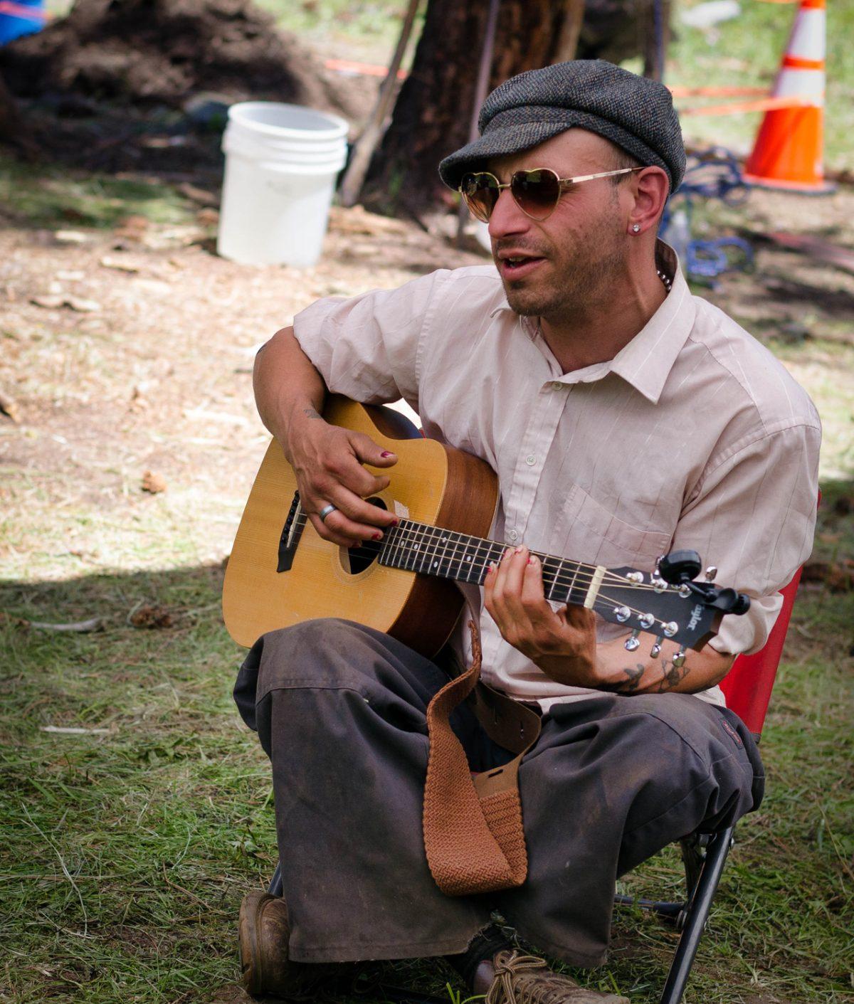 Andy Avocado singing at Rainbow
